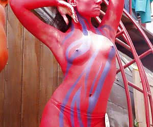 Related gallery: hot-outfits-and-body-art (click to enlarge)